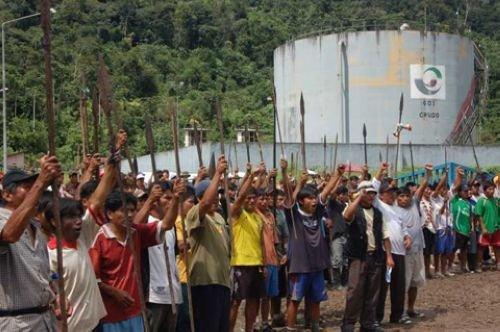 秘鲁土著抗议开采亚马逊雨林能源