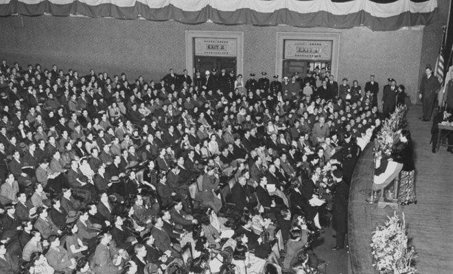 1943年2月18日,宋美龄在美国国会发表演讲