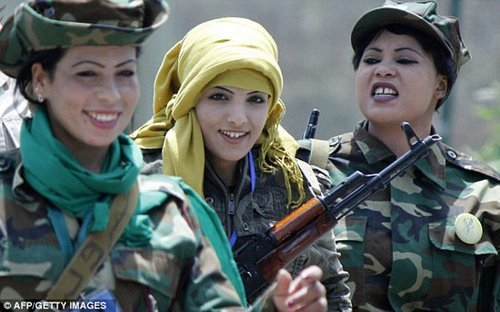 卡扎菲19岁御用女狙击手多次遭强奸 枪杀11人