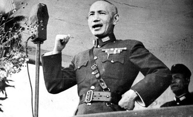 1937年7月15日,蒋介石发表庐山讲话,表明中国抗战决心