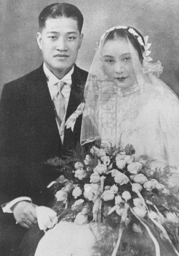 潘有声与胡蝶的结婚照