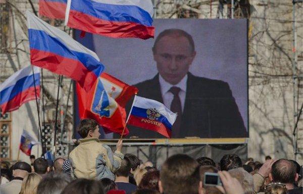 普京就并入克里米亚发表激情洋溢的演讲