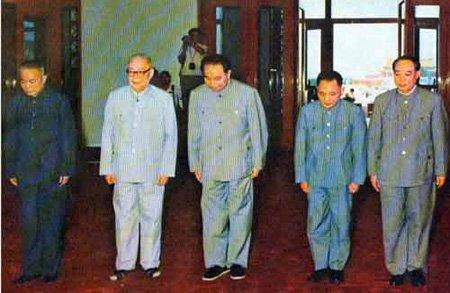 法拉奇单刀直入问邓小平:天安门的毛主席像要永远保留?