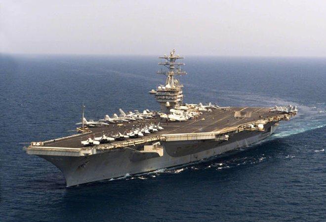 """图:美国""""尼米兹""""号核动力航母"""