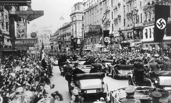 德国吞并奥地利后,维也纳民众欢迎德军