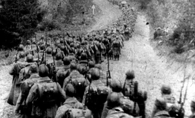 苏军跨过边境,进入波兰