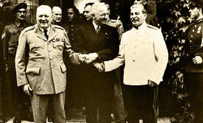 丘吉尔、杜鲁门、斯大林在一起