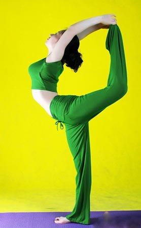 瑜伽动作瘦腿_
