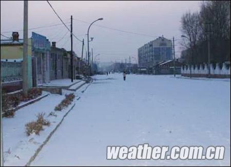 14日兴安盟扎赉特旗迎来今冬第一场大雪-内蒙古近期多大风降温天气