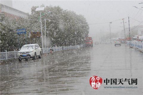 中东部地区天干物燥 西南地区持续阴雨雪