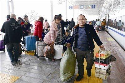 温州首开贵阳方向高铁列车 新温州人:回家不差车票钱