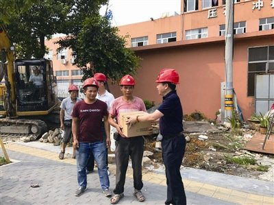 瓯海区住建局 督查九所公办幼儿园装修