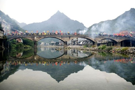 平阳顺溪古屋旅游文化节开幕 揭示绿色+古色魅力
