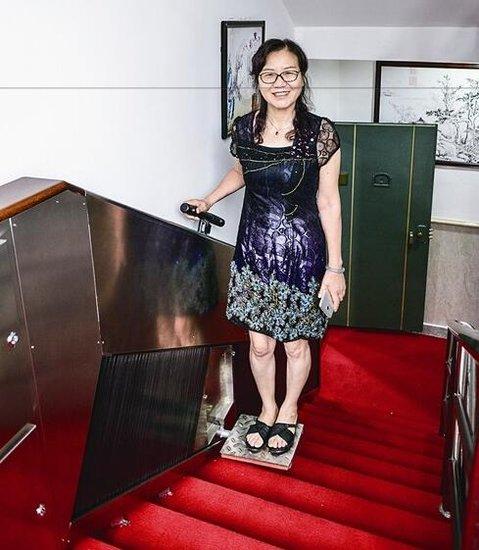 扶手电梯落户瑞安一小区