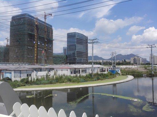 滨江商务区地标建筑呼之欲出 区内楼盘纷纷开盘