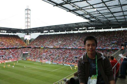 2010年世界杯五大洲国家队探营记者—董一平