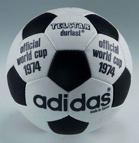 """1974年西德世界杯第三个吉祥物""""和平兄弟"""""""