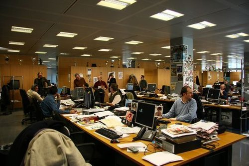 《米兰体育报》的办公室一派繁忙景象