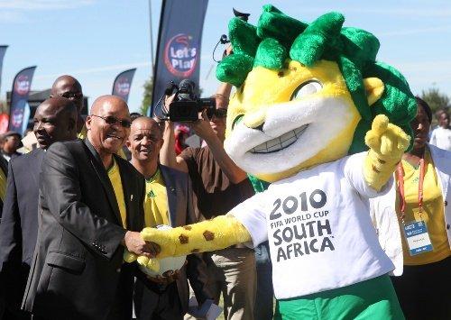 图文:世界杯倒计时50天 南非总统现身庆祝会