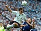 视频:克洛泽世界杯第十球 上演空中头球接力