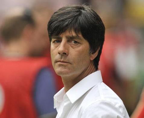 德国主帅勒夫世界杯后或留任 媒体名宿齐造势