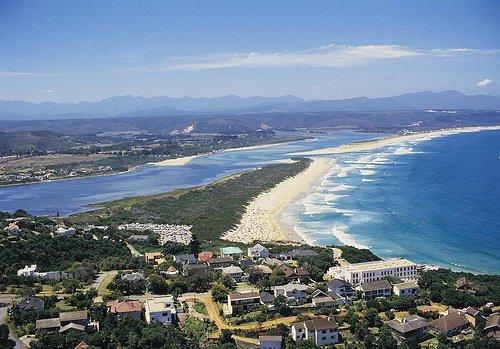 南非最著名的风景之一 255公里长的花园大道