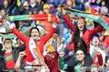"""图文:葡萄牙7-0朝鲜 葡萄牙球迷""""骑大马"""""""