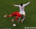 图文:葡萄牙7-0朝鲜 C罗被绊倒