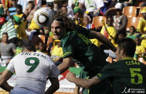 图文:阿尔及利亚0-1斯洛文尼亚 苏勒尔冲顶