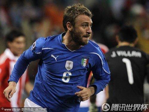 图文:意大利1-1巴拉圭 德罗西进球扳平比分_2