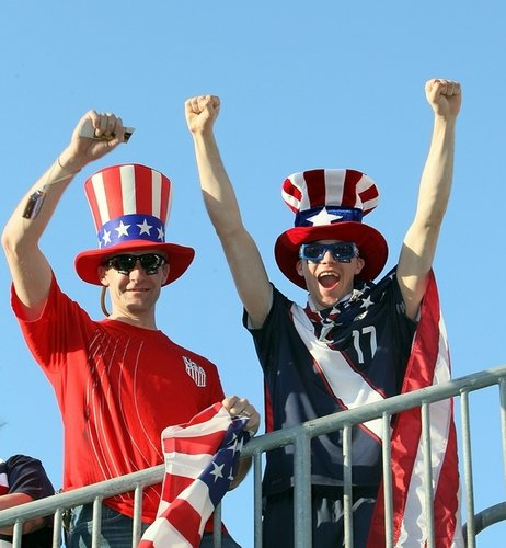 图文:热身赛美国VS捷克 美国球迷看台特写