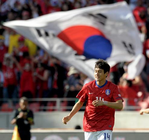 韩媒:拔头筹之人出身前锋 韩国今日创两纪录