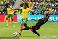 图文:揭幕战南非1-1墨西哥 沙巴拉拉突破
