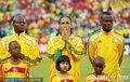 图文:揭幕战南非1-1墨西哥 南非球员赛前祈祷