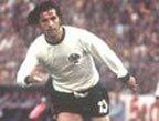 视频:盖德穆勒世界杯进球 14球纪录留存32年