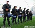 安保人员排排站