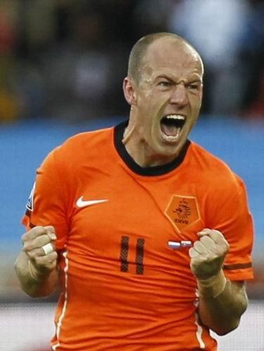 罗本一球定乾坤 荷兰2比1力克斯洛伐克