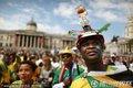 图文:揭幕战南非1-1墨西哥 等待开赛的球迷