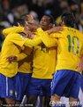 巴西队员拥抱
