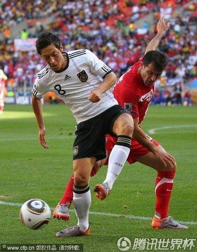 德国诡败与一人无关 日耳曼梅西2000万也超值