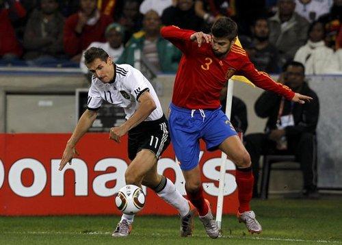 13球德国难逾越1人 皮克0犯规32拦截诠释完美