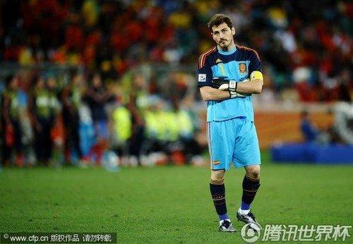 图文:西班牙0-1瑞士 卡西里亚斯眼神迷离_201