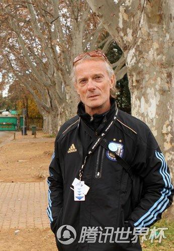 专访阿根廷教练:梅西超负荷运转 他让我吃惊