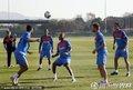 图文:葡萄牙队训练备战 队内气氛轻松(1)