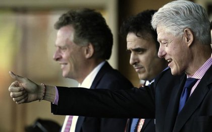 克林顿更衣室内大赞球员:这才是美国精神!