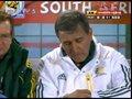 视频:场上僵持不下 南非主帅佩雷拉心急如焚