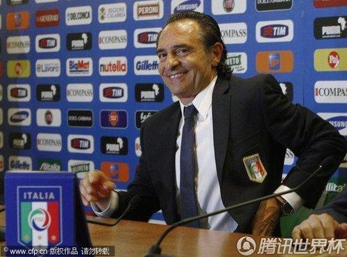 2010世界杯:意大利小组赛铩羽而归 普兰德利正式接过教鞭