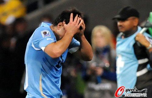 图文:A组法国0-0乌拉圭 洛代伊罗后悔不已