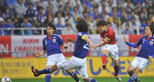 半场战报-日本0-1韩国 朴智星单刀低射破门