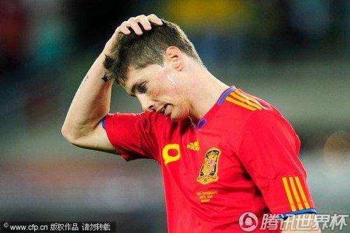 图文:西班牙0-1瑞士 托雷斯抱头痛哭_世界杯图